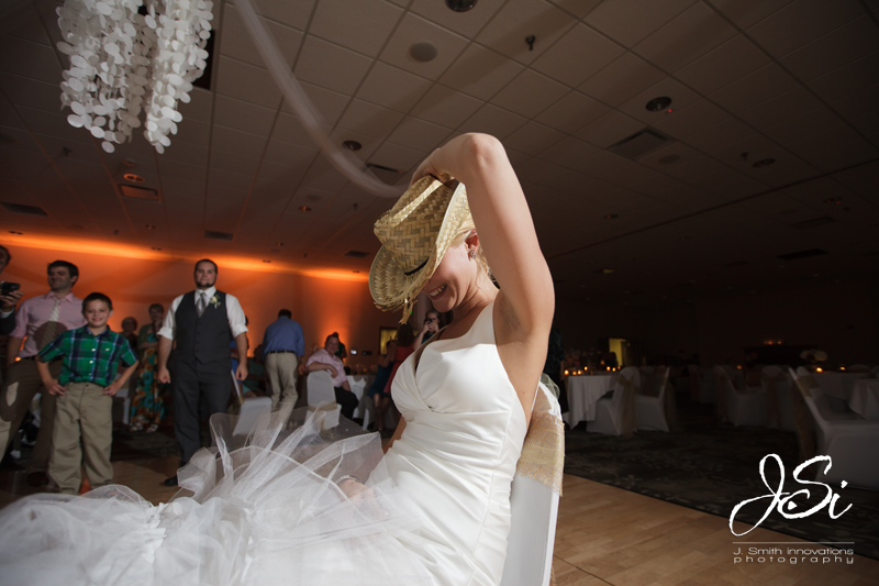 Fort Leavenworth Frontier Conference Center golf course wedding picture
