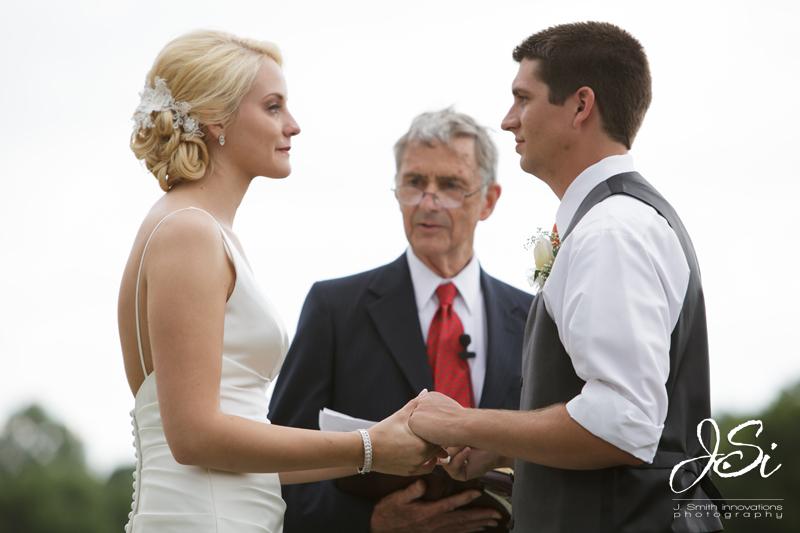 Fort Leavenworth FCC golf course wedding picture