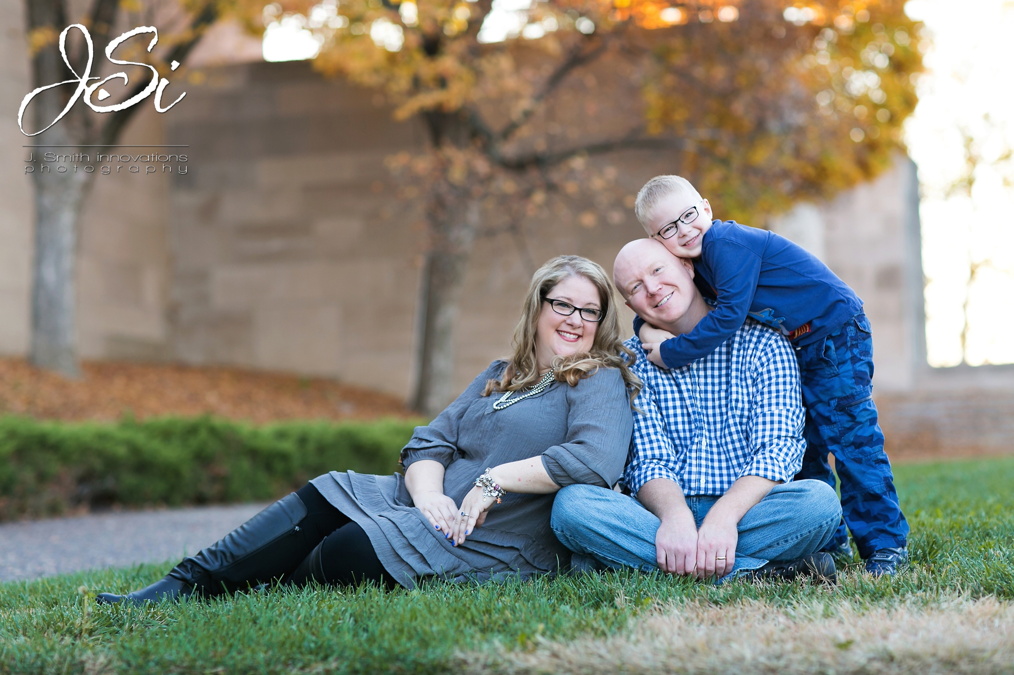 Kansas City Liberty Memorial fun relaxed family session photography blog