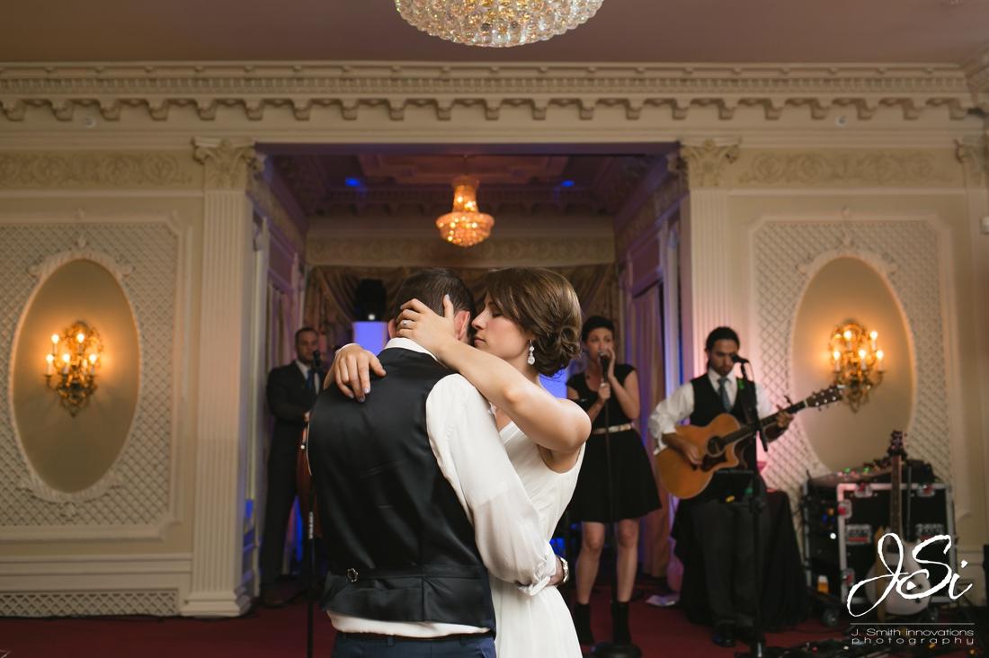 Kansas City fun candid wedding photos blog