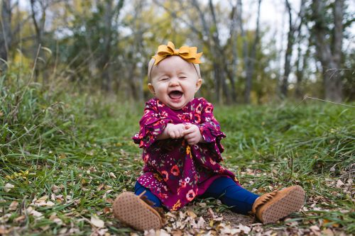 stressless family pictures of adorable cute laughing little girl