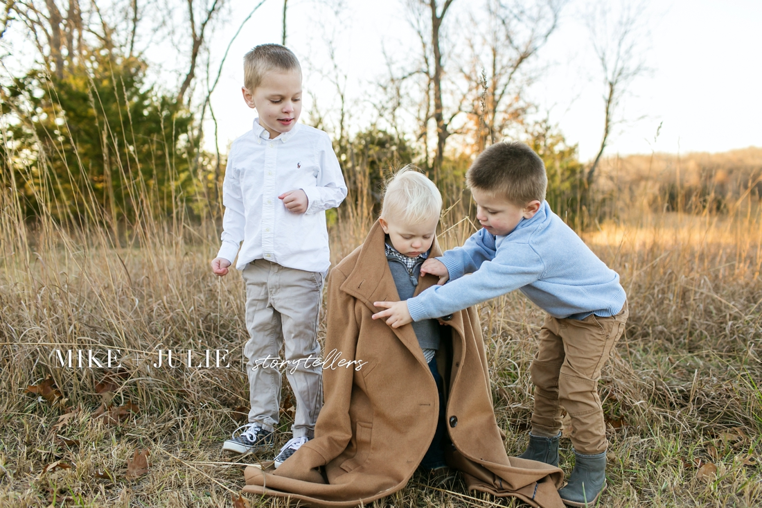sweet brothers loving and genuine family pictures