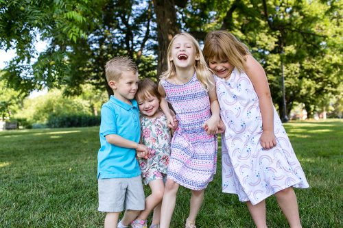 happy kids at Kansas City family pictures
